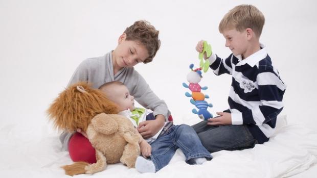 Rok 2012: Rodičovská 220 tisíc korun pro všechny, volnější čerpání - obrázek