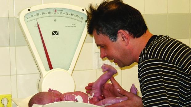 Jaká bývá hmotnost narozeného dítěte? - obrázek
