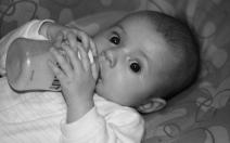 Jícnový reflux a refluxní nemoc jícnu v kojeneckém a batolecím věku - obrázek