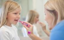 Téměř 70 % dvanáctiletých dětí má zubní kaz - obrázek